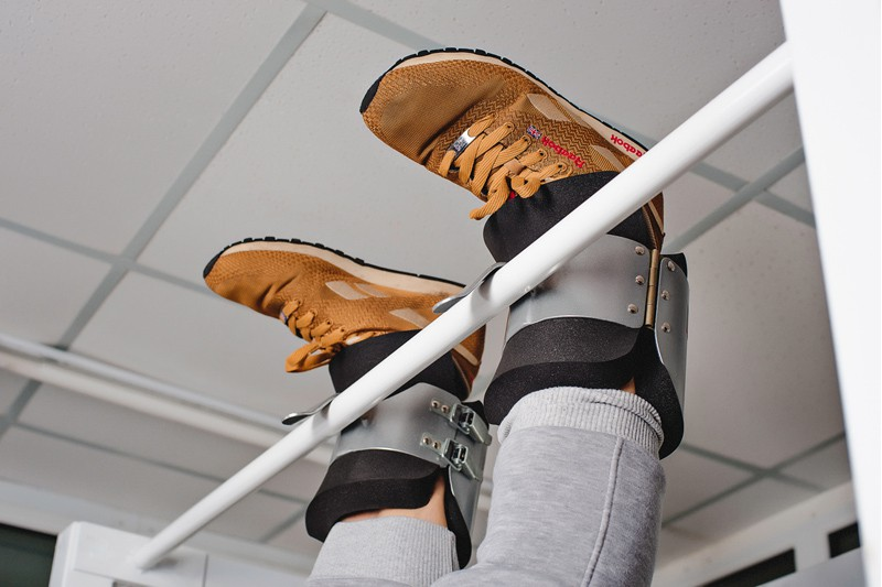 Инверсионные ботинки, крюки для ног